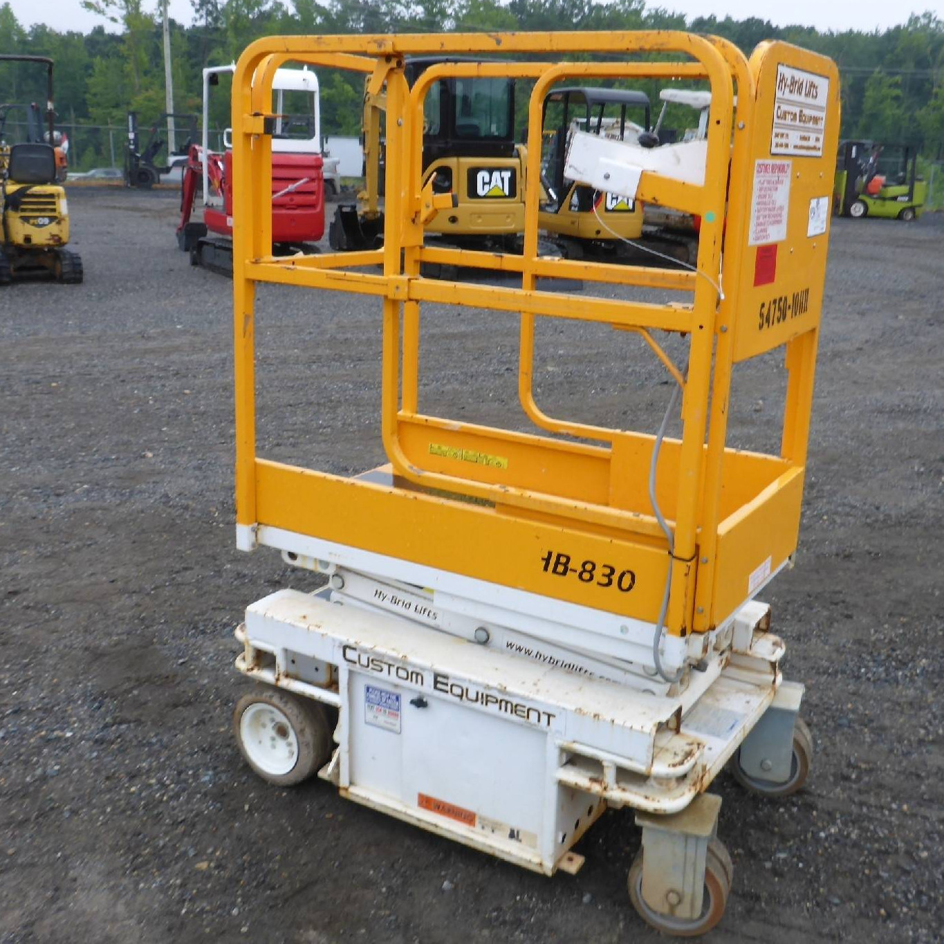 Goods And Personnel Lifting: JLG 12SP Personnel Lift